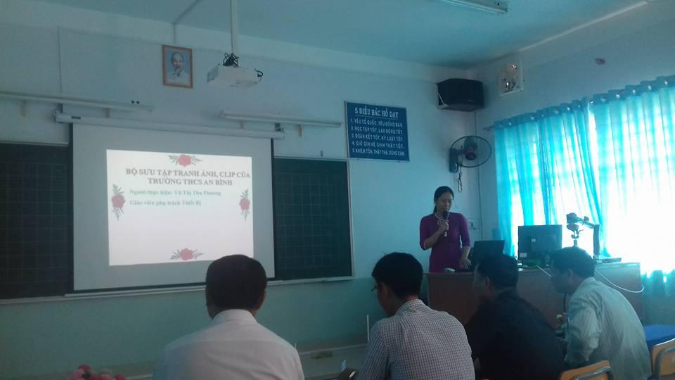 Cô Vũ Thị Thu Phương trình bày phần dự thi của mình