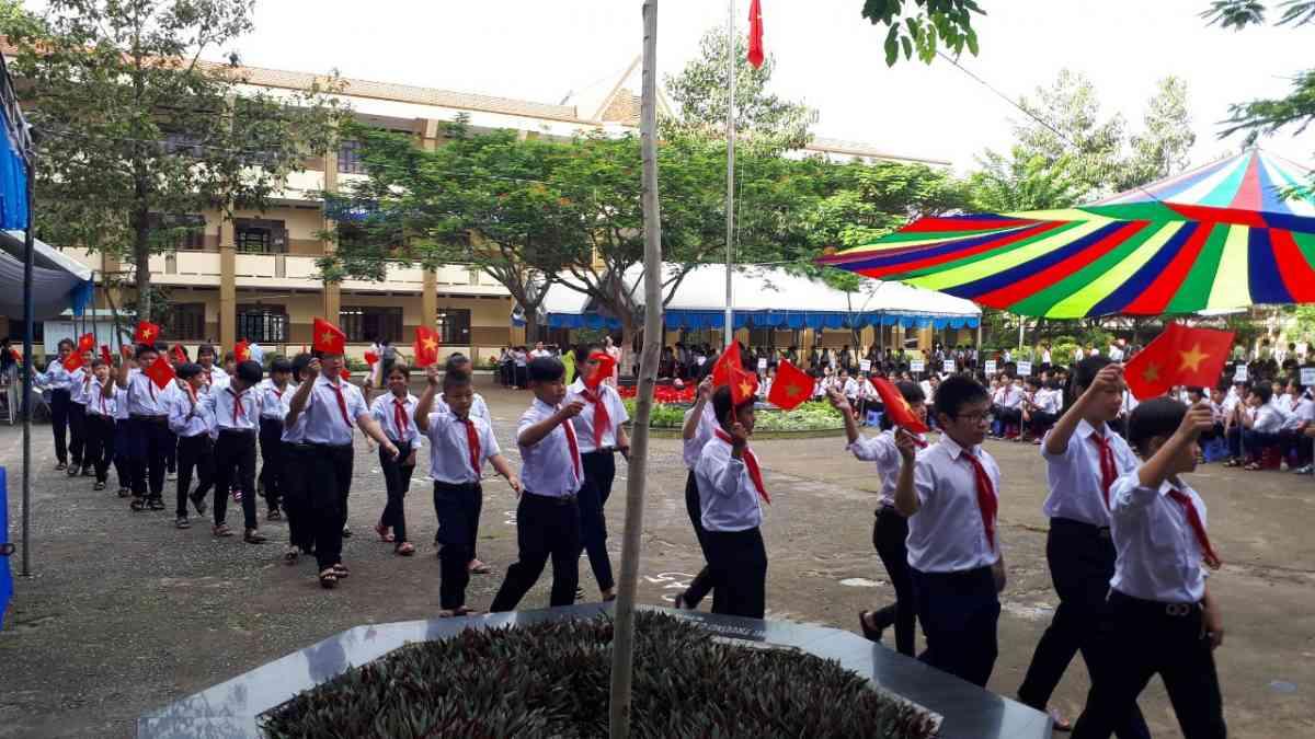 Lễ diễu hành Chào đón tập thể HS lớp 6
